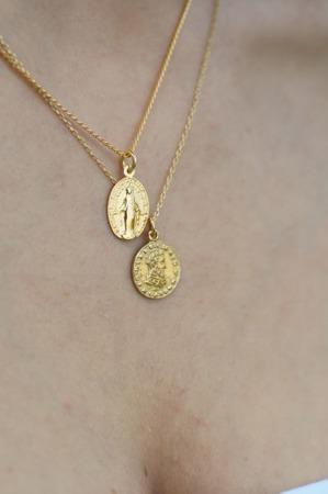 Naszyjnik pozłacany z antyczną monetą